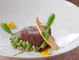 デューク新宿の肉料理画像